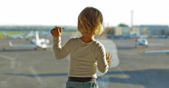 Barna rakk ikke flyet til pappaens begravelse. Da gjorde piloten det utenkelige.