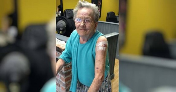 Bestemoren ble borte fra gamlehjemmet. Når de fant henne, hadde hun DETTE på armen!