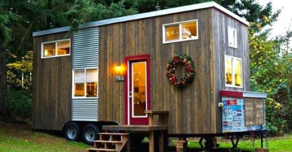 Da barna hennes flyttet ut bestemte hun seg for å bygge drømmehuset. Dette er fantastisk!