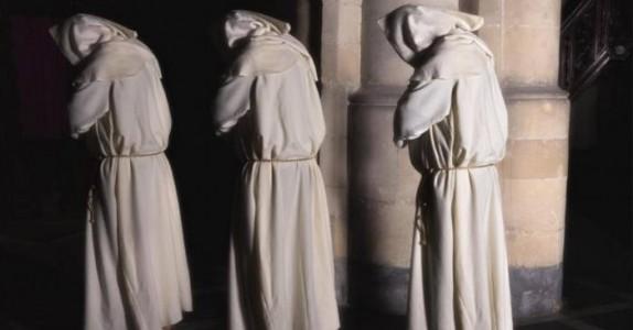 Mannen gikk i kloster, og avga et stillhetsløfte. Men det som skjer? Jeg ler meg ihjel!