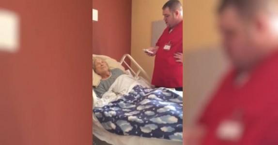 Han går inn på den døende pasientens rom. Det som blir filmet, spres nå i rekordfart på nettet.