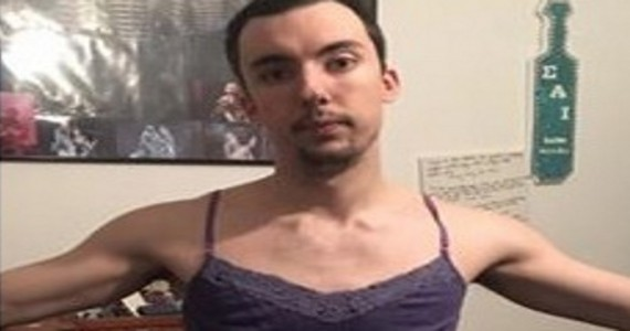 Han tar på seg kjærestens klær. Men det han oppdager sjokkerer ALLE!