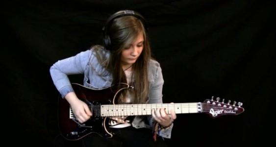 15-åringen får verdenskjente gitarister til å blekne. Bare se når hun begynner å spille!