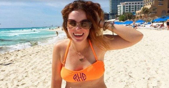 Trebarnsmoren publiserer et bikinibilde. Etter noen minutter spres det i rekordfart!