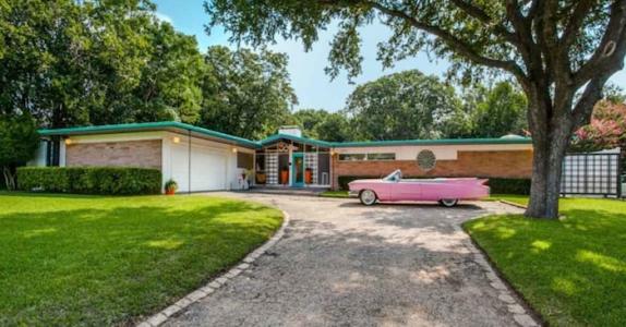 Dette huset har ikke blitt pusset opp siden 1954 – når du ser INNSIDEN vil du ikke tro dine egne øyne!