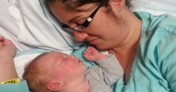 Den 23 år gamle mammaen havner i koma på fødestua – da skjer mirakelet etter sykepleierens uventede beslutning!