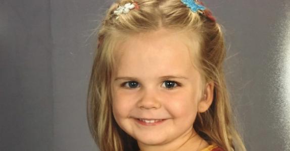 Den døve 3-åringen hadde ett eneste ønske til klassebildet – nå er hun skolens helt!