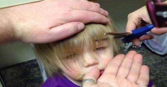 Pappaen klipper den lille jenta. Men VENT til du ser resultatet!