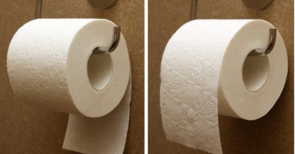 Ifølge patentet for toalettpapir, så ER det en riktig måte å henge det på!