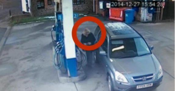 Kvinnen drar innom bensinstasjonen. Men det de ansatte ser på overvåkingskameraet? Jeg ler så tårene triller!