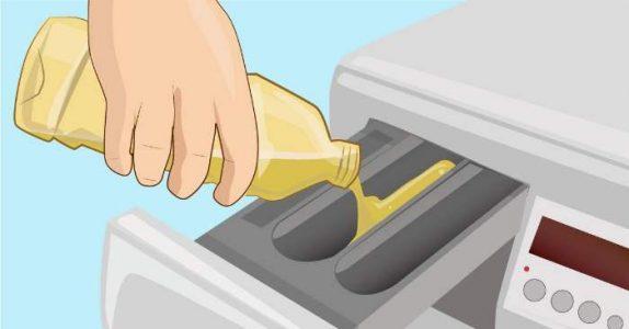Hun tømmer eddik i vaskemaskinen. Men når du ser hvorfor, MÅ du prøve det selv!