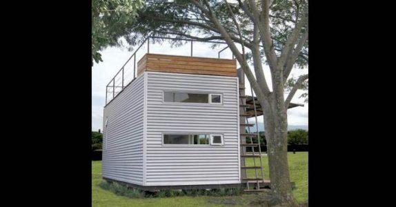 Denne mannen bor i en container på bare 14 kvadrat. Men vent til du får se INNSIDEN!