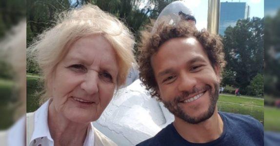 Den 75 år gamle kvinnen fikk sparken fra jobben. Nå lar sønnen henne leve ut sin store drøm!