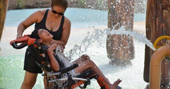 Verdens første vannpark for funksjonshemmede barn har åpnet. Og bildene er fantastiske!