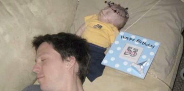 De feirer sin dødssyke sønn hver dag. Men 99 dager etter fødselen skjer noe HJERTESKJÆRENDE!