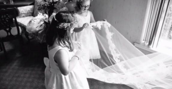 Når disse barna dukker opp i bryllupet, kjenner ingen igjen dem. Bare bruden vet hvor spesielle de er!