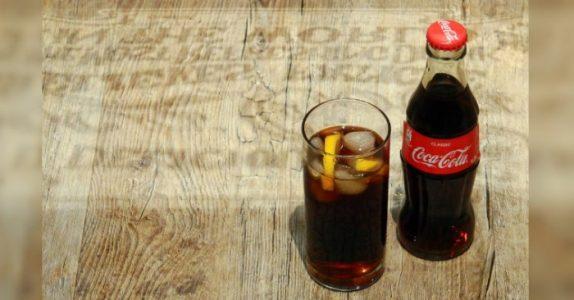 Dette er grunnen til at du alltid bør ha en flaske cola stående hjemme. Det kan redde livet ditt!