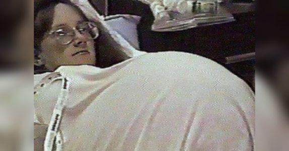 Kvinnen brukte fruktbarhetsmedisin. Men det legene oppdager i magen hennes har de ALDRI sett før!