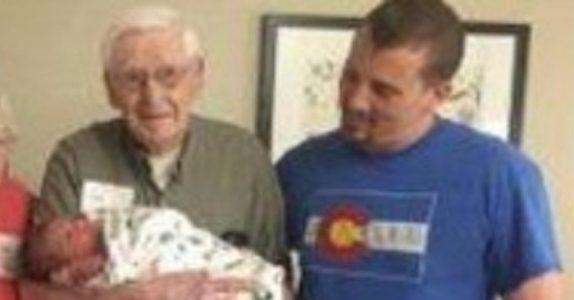 Når denne babyen ble født, oppdaget familien noe utrolig. Dette skjer bare 1 av 33.000 ganger!