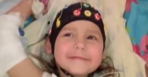 Den desperate pappaen ignorerer legenes råd. Det reddet LIVET til den 3 år gamle datteren hans!