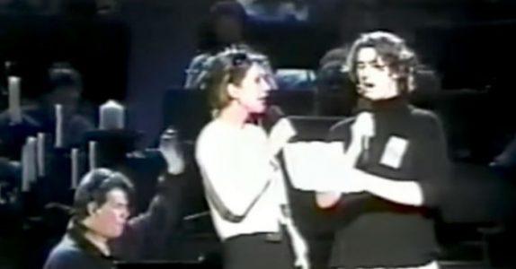 17-åringen erstatter Andrea Bocelli i duetten. Men Celine Dion kan ikke tro sine ører når gutten stemmer inn!