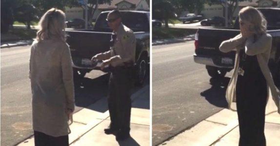 Politiet stopper henne og mistenker henne for fyllekjøring. Men når hun snur seg, får hun sitt livs sjokk!
