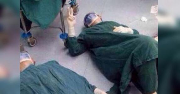 Legen kollapser etter en 32 timer lang operasjon. Nå hylles han av tusenvis av mennesker!