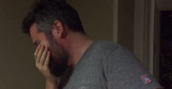 Denne pappaen besvimer nesten når han ser hva datteren har gjort. Han hadde INGEN aning!