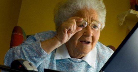 Den gamle enken skal bare sjekke eposten sin. Men det hun ser da? Jeg ler så tårene triller!