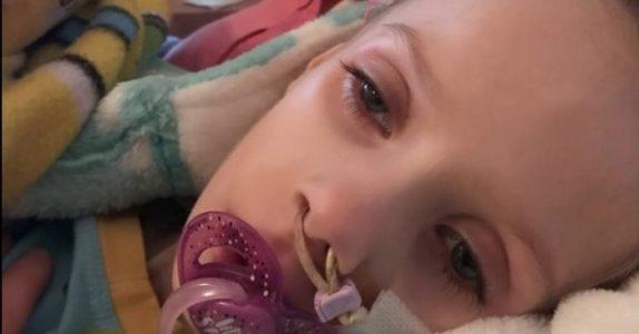 4-åringen tar farvel med storebroren. Da overhører moren hennes siste ønske – og bryter sammen i tårer!
