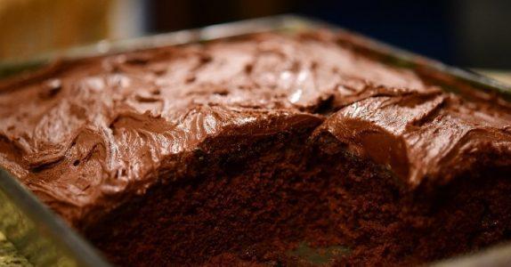 Forskere bekrefter: Å spise sjokolade hver dag er bra for hjernefunksjonen din!