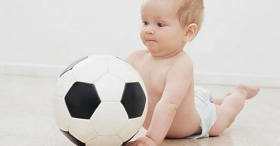 Smart pappa kalte opp datteren etter en fotballklubb. Mammaen oppdager det 2 år etterpå!
