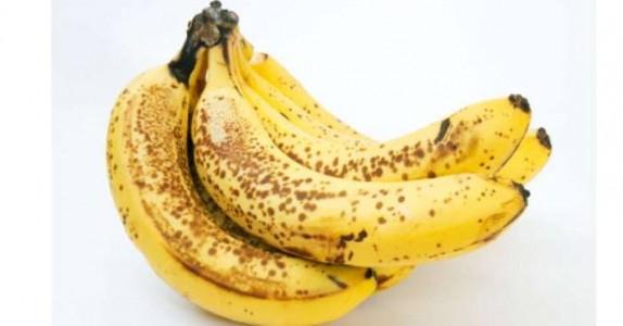 Spiser du bananer med brune prikker? Dette skjer med kroppen når du gjør det!
