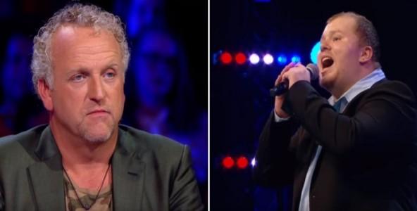 Dommeren ser stygt på den tjukke mannen som kommer på scenen. Men når han starter å synge? Wow!
