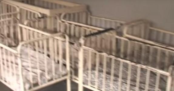De spurte barnehjemmet hvorfor de 100 babyene var stille. Svaret er forferdelig trist!