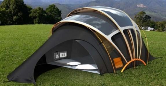 Skremmer camping deg? Her er et telt som produserer lys, varme, strøm og internett!