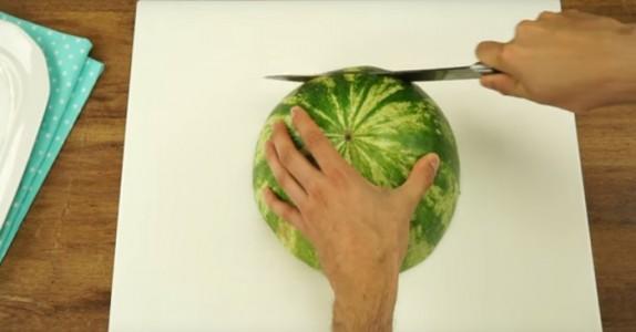 Jeg har tydeligvis skåret vannmelon feil hele livet… Jeg hadde ingen aning!
