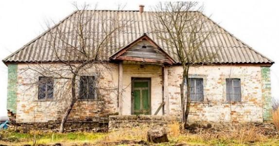 Huset ble forlatt for over 30 år siden.  Men når man går inn i det, er det som om ingen har dratt. WOW!