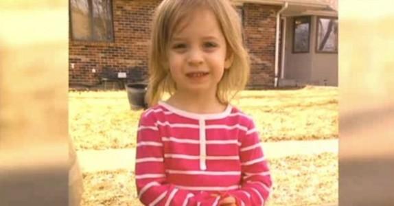 3-åringen oppfører seg merkelig etter badet. Da innser tanten livsfaren og løper fram for å redde jentas liv!