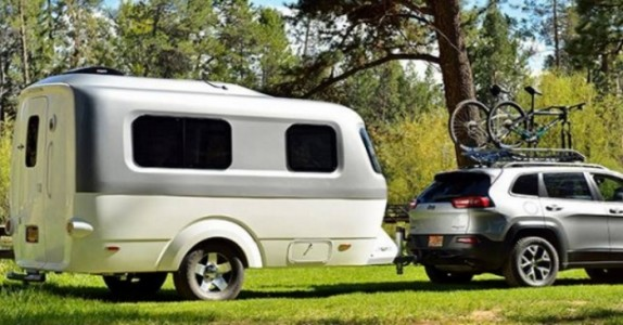 Campingvognen er bitteliten. Men når du ser innsiden av denne, vil du også ha en!