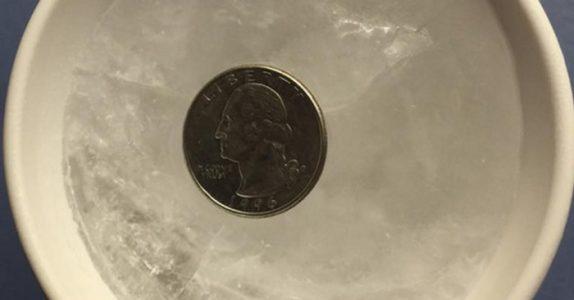 Derfor skal du alltid legge en mynt i FRYSEREN før du reiser hjemmefra!