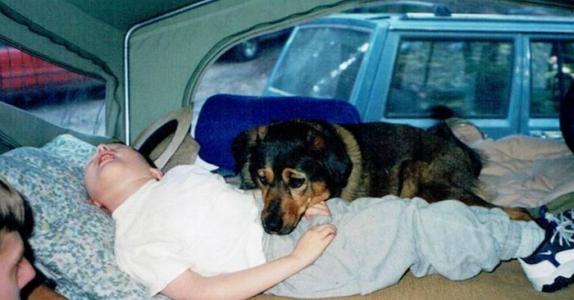 Den 11-år gamle gutten dør i søvne. Men det foreldrene gjør er utrolig vakkert og rørende!