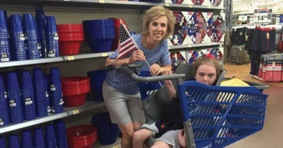 Hun møtte denne utfordringen hver gang hun skulle handle. Nå er oppfinnelsen hennes på nesten alle supermarkedene!