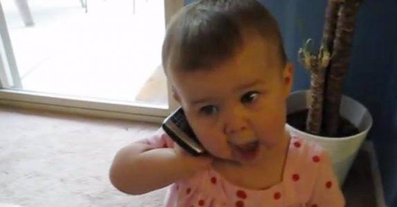 Faren ringer hjem til sin unge datter. Det hun SVARER har nå berørt millioner!