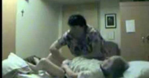 Sykepleieren vet ikke at hun blir filmet. Det hun gjør da mot den gamle kvinnen SJOKKERER alle!