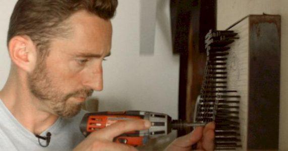 Denne utrolige kunstneren hjelper blinde å «se» kunst. Men hvordan? Metoden er jo helt GENIAL!