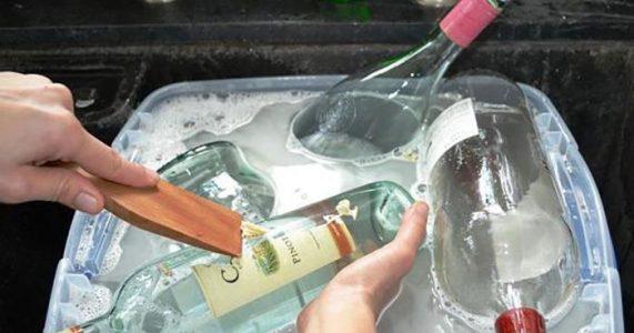 Ikke kast de gamle glassflaskene dine! Her er 13 GENIALE måter å bruke dem på hjemme!