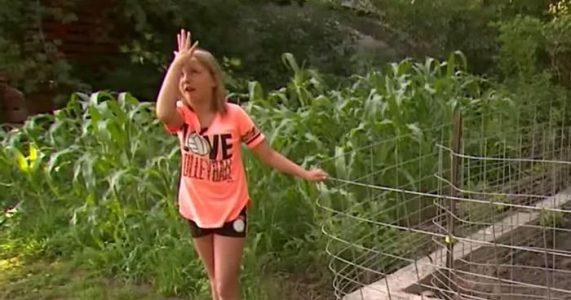 9-åringen hører en mystisk lyd fra buskene. Så ser hun nærmere og innser det FORFERDELIGE!