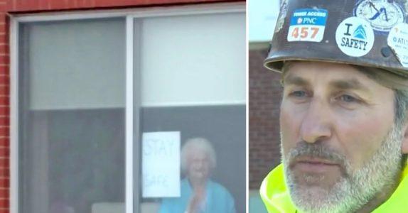 Bestemoren henger opp en lapp i vinduet. Men når bygningsarbeideren ser den, bryter han sammen!