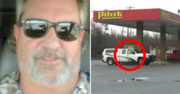 Trailersjåføren ser på jenta i den parkerte bilen. Så innser han det SKREKKELIGE, og kaster seg på telefonen!